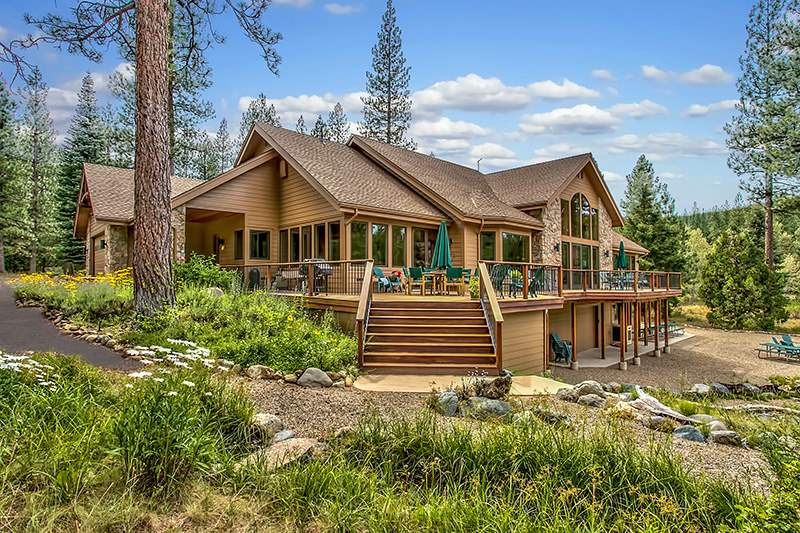 Casa Unifamiliar por un Venta en 1180 Smith Creek Road Graeagle, California Estados Unidos