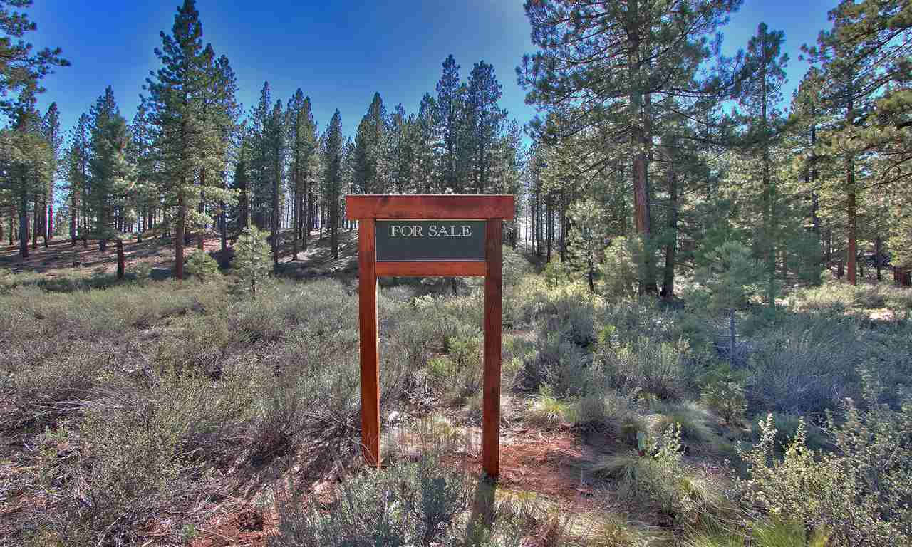 Additional photo for property listing at 7520 Lahontan Drive 7520 Lahontan Drive Truckee, California 96161 United States