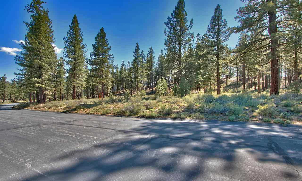 Additional photo for property listing at 7520 Lahontan Drive  Truckee, California 96161 United States