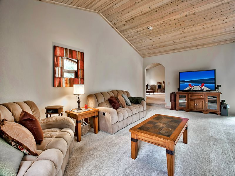 Additional photo for property listing at 14478 Tyrol Road 14478 Tyrol Road 特拉基, 加利福尼亚州 96161 美国