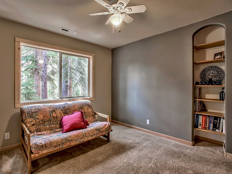 Additional photo for property listing at 14478 Tyrol Road 14478 Tyrol Road Truckee, California 96161 Estados Unidos