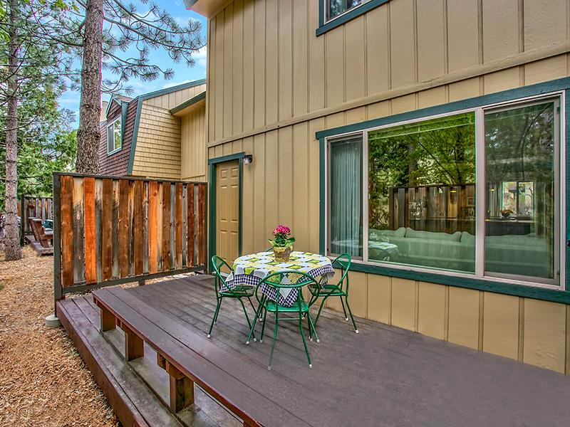 Additional photo for property listing at 3101 Lake Forest Road  Tahoe City, California 96145 Estados Unidos