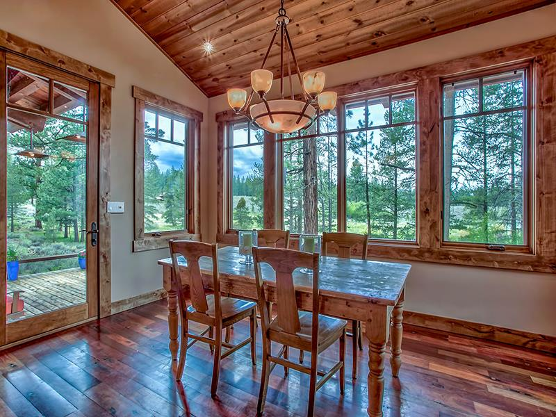 Additional photo for property listing at 13209 Snowshoe Thompson 13209 Snowshoe Thompson Truckee, California 96161 Estados Unidos