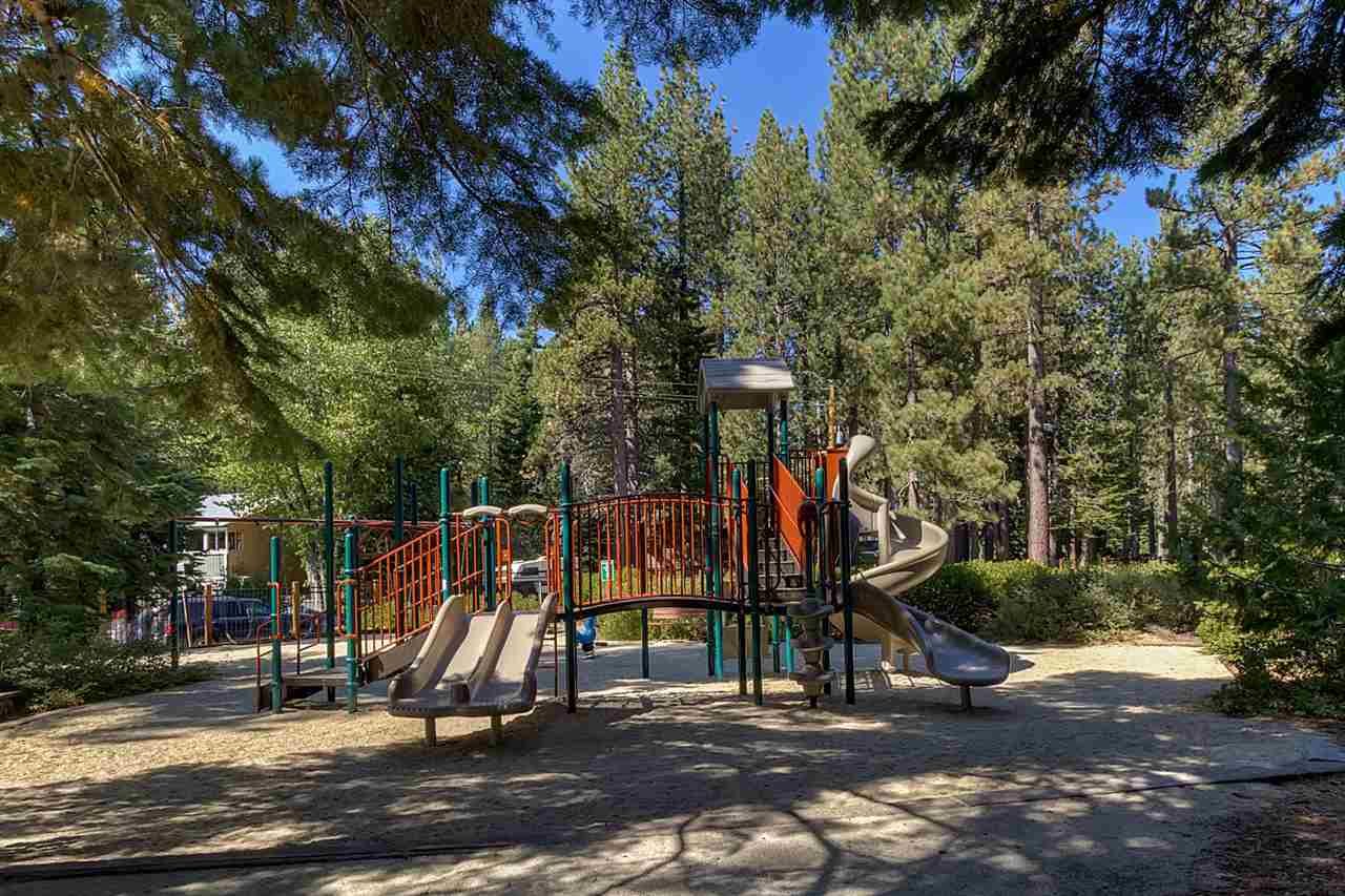Additional photo for property listing at 150 Talmont Circle 150 Talmont Circle Tahoe City, California 96145 United States