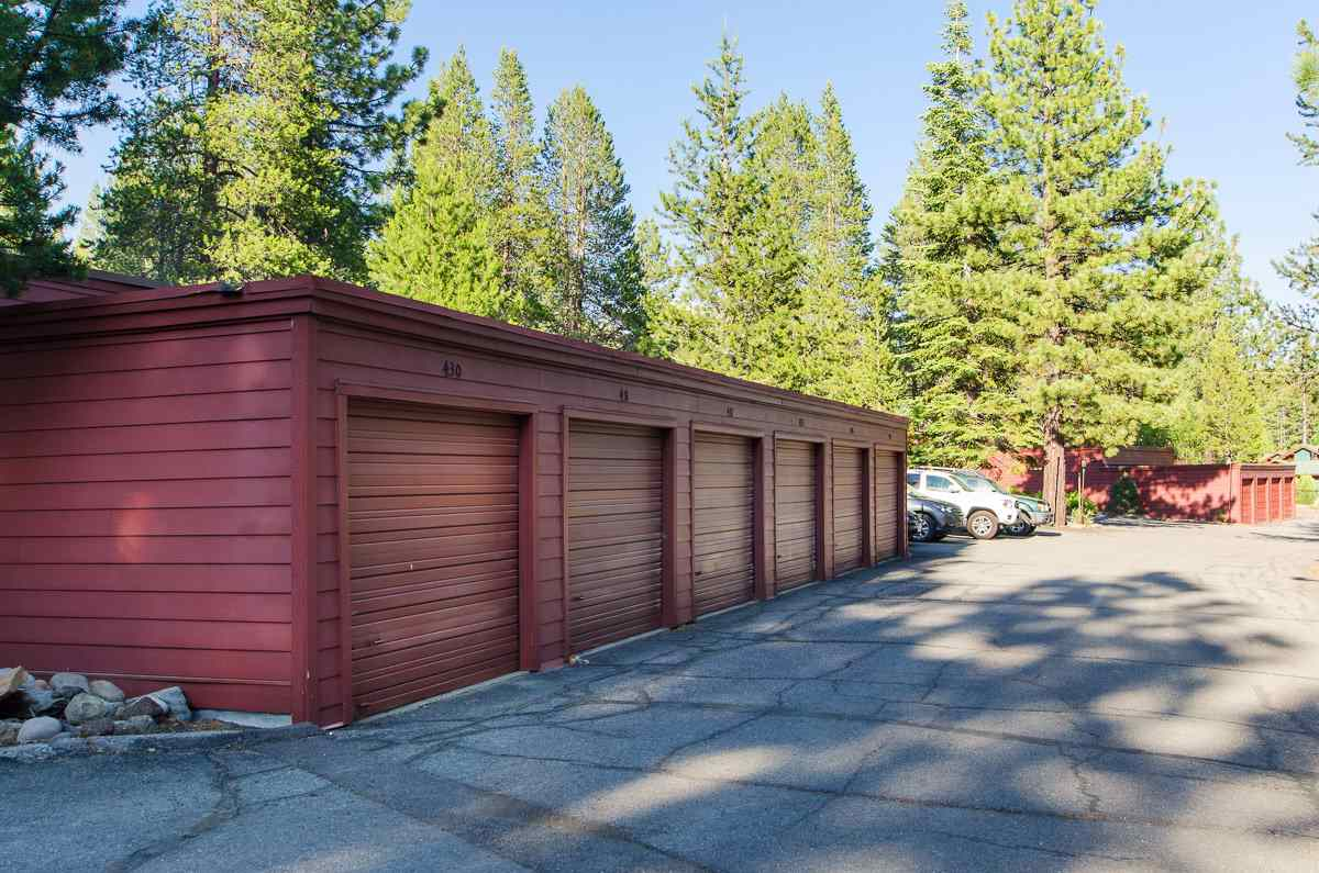 Additional photo for property listing at 12800 Northwoods Boulevard  Truckee, California 96161 Estados Unidos