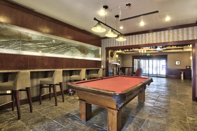 Additional photo for property listing at 1985 Squaw Valley Road 1985 Squaw Valley Road Olympic Valley, California 96146 Estados Unidos