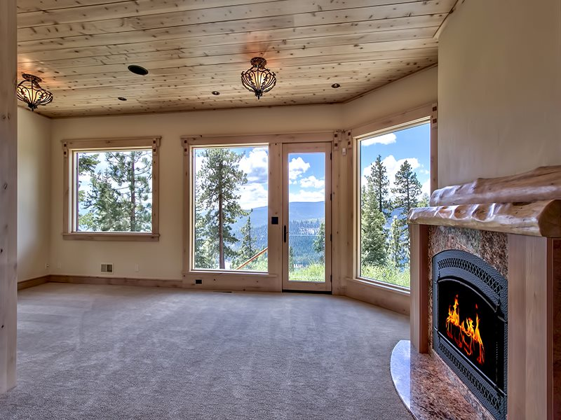Additional photo for property listing at 12096 Skislope Way  Truckee, California 96161 Estados Unidos