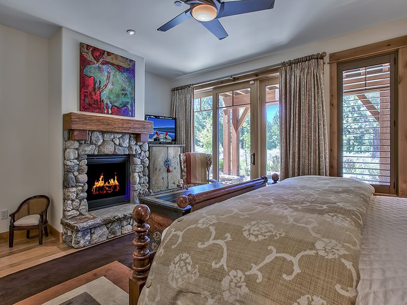 Additional photo for property listing at 10256 Valmont Trail 10256 Valmont Trail Truckee, California 96161 Estados Unidos