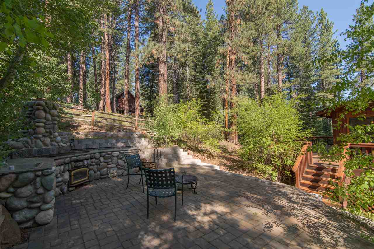 Additional photo for property listing at 10518 Red Fir Road  Truckee, California 96161 United States