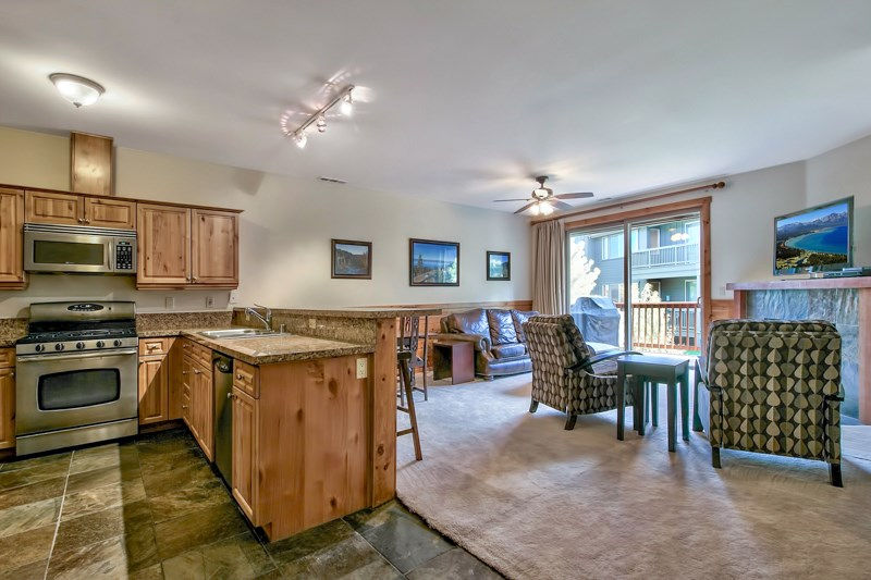 Additional photo for property listing at 10890 Cinnabar Way  Truckee, California 96161 United States