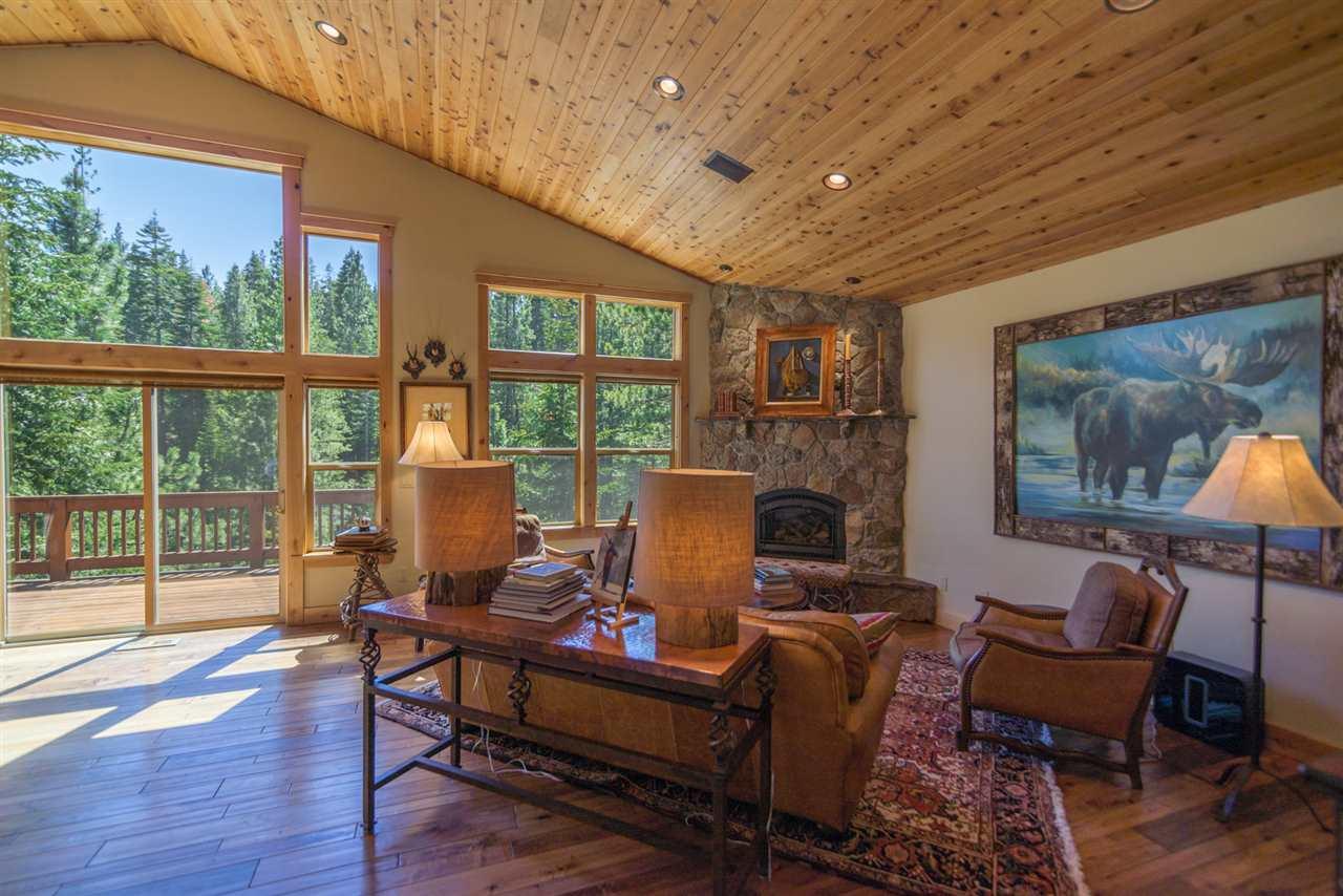 Additional photo for property listing at 11747 Kitzbuhel Road 11747 Kitzbuhel Road Truckee, California 96161 United States