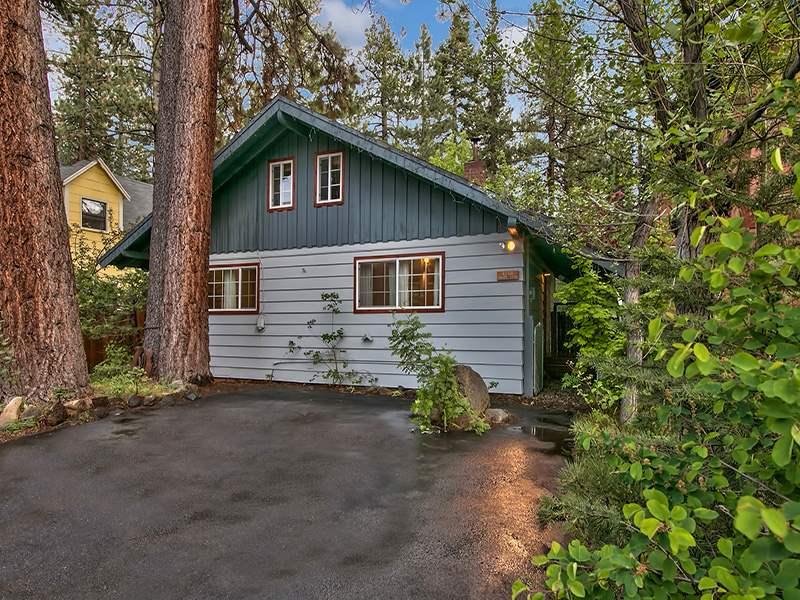 Casa Unifamiliar por un Venta en 8110 Steelhead Avenue Kings Beach, California 96143 Estados Unidos