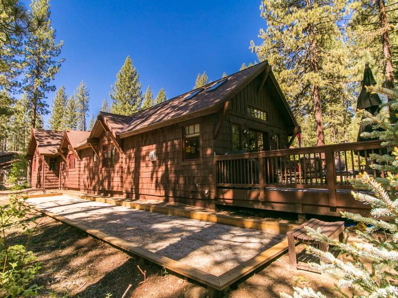Additional photo for property listing at 11165 Comstock Drive 11165 Comstock Drive Truckee, California 96161 Estados Unidos