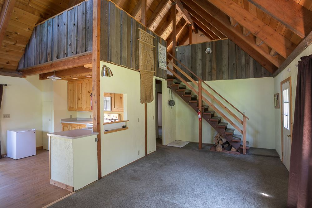Additional photo for property listing at 8151 Soda Springs Road 8151 Soda Springs Road Soda Springs, California 96161 Estados Unidos