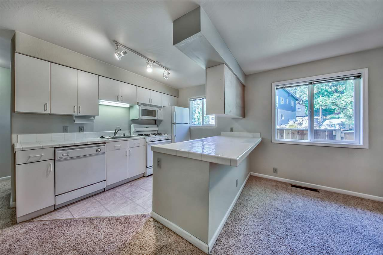 Additional photo for property listing at 11344 Forest Lane 11344 Forest Lane Truckee, California 96161 Estados Unidos