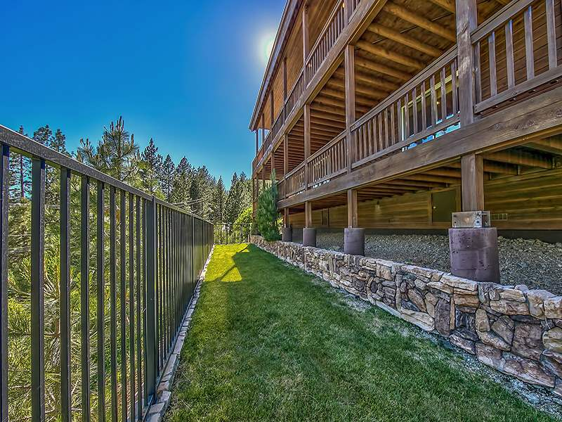 Additional photo for property listing at 14665 Reed Avenue  Truckee, California 96161 United States