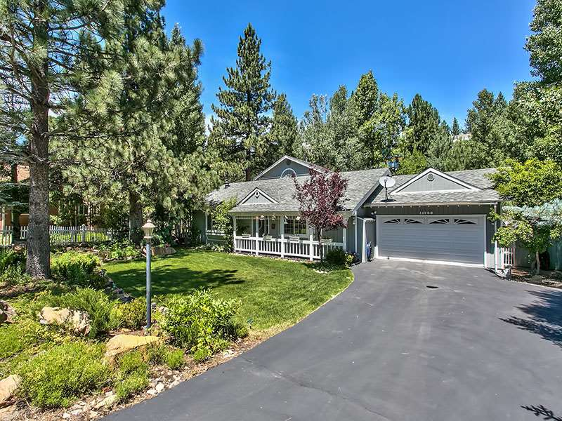 Additional photo for property listing at 11758 Riverview Avenue 11758 Riverview Avenue Truckee, California 96161 Estados Unidos