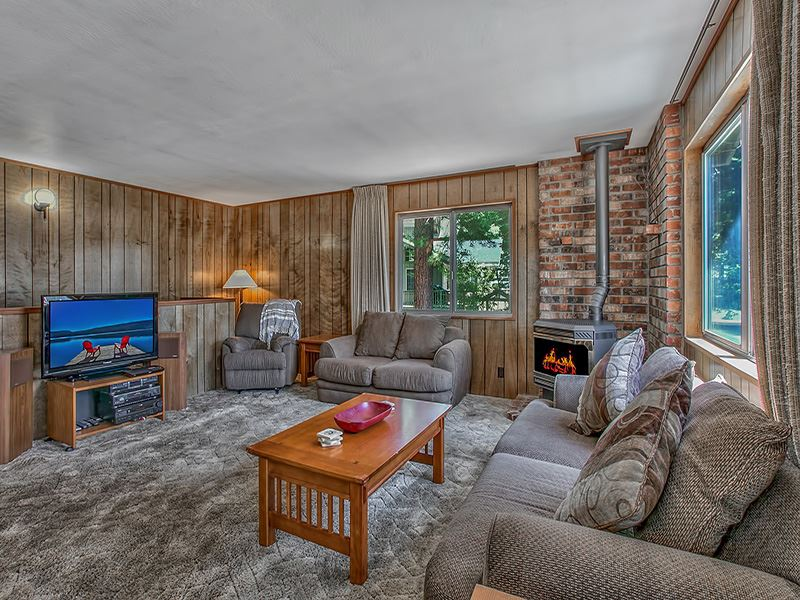 Additional photo for property listing at 3165 Panorama Drive  Tahoe City, California 96145 United States