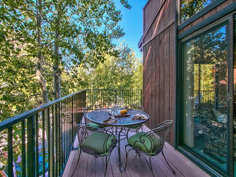 Additional photo for property listing at 2560 Lake Forest Road 2560 Lake Forest Road Tahoe City, California 96145 United States