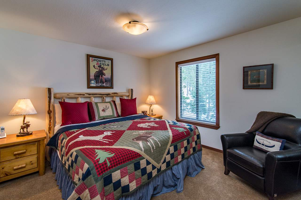 Additional photo for property listing at 2160 Bear Creek Drive  Tahoe City, California 96146 Estados Unidos