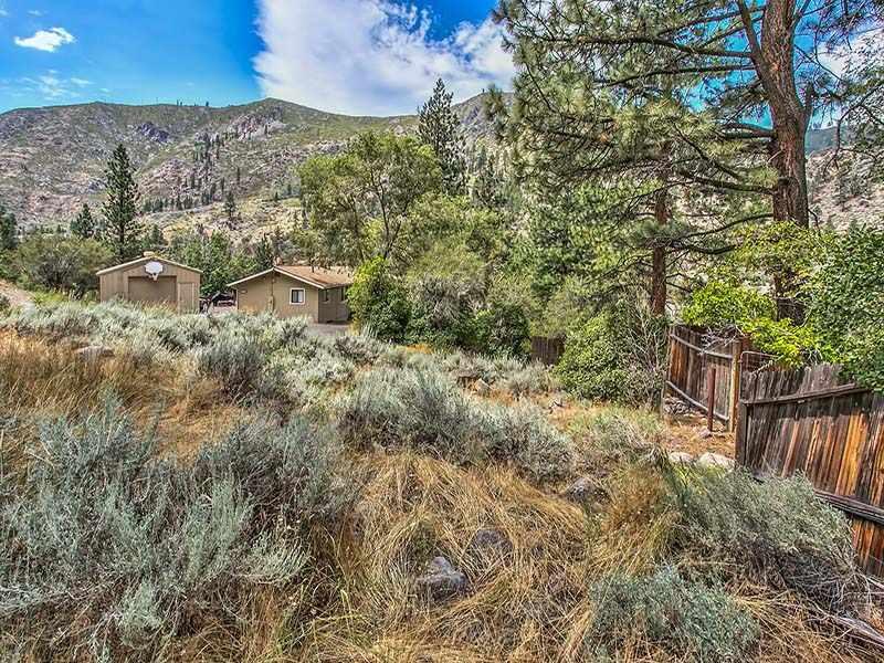 Additional photo for property listing at 22178 Cedar Street 22178 Cedar Street Floriston, California 96111 Estados Unidos