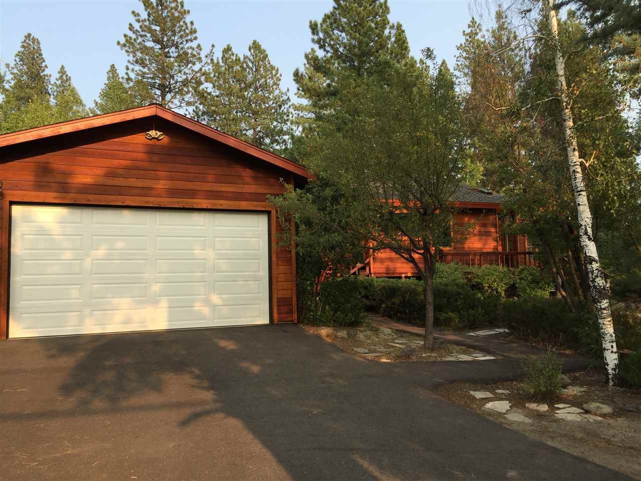 Single Family Home for Active at 10505 Manchester Drive Truckee, California 96161 United States
