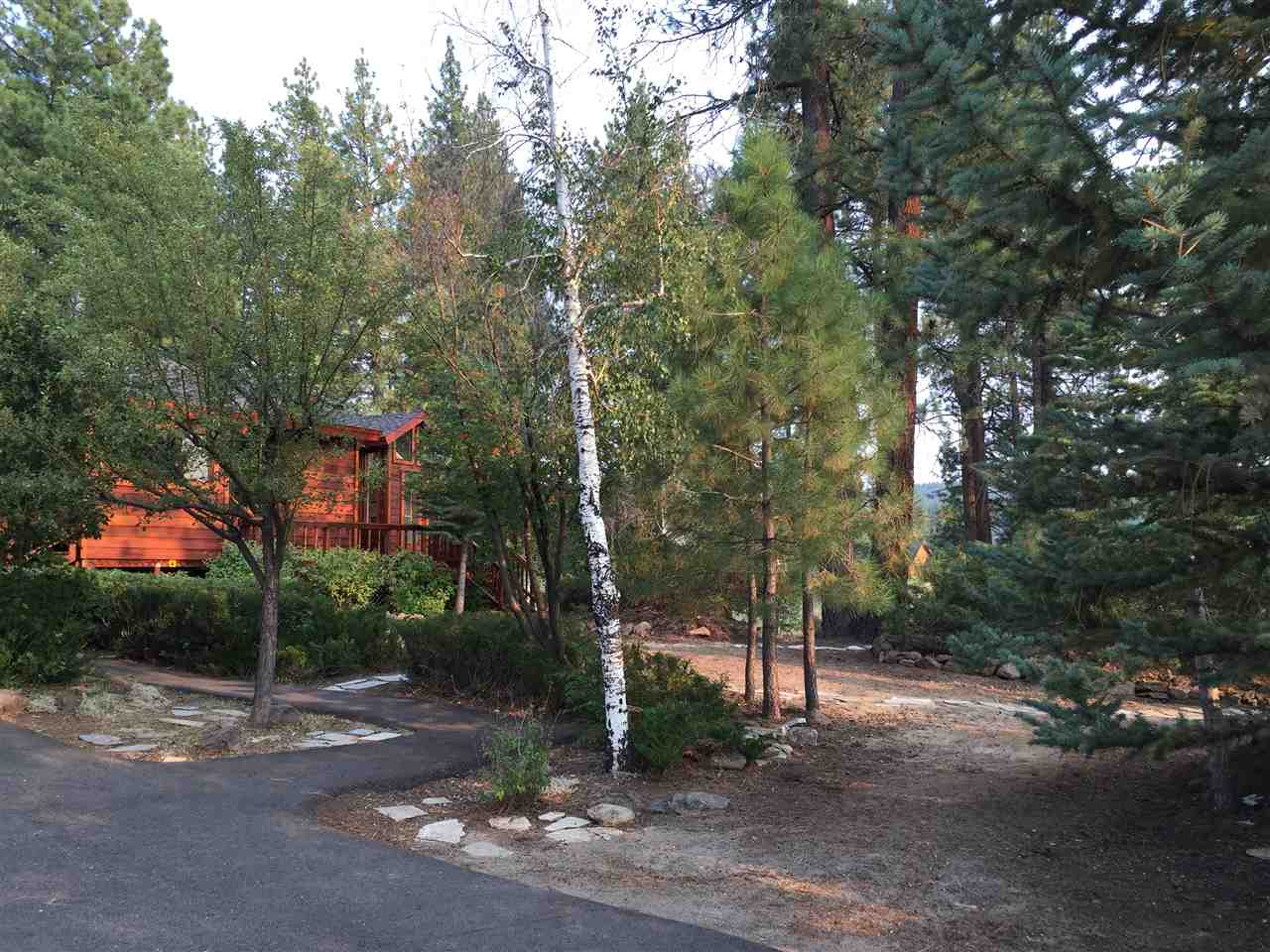 Additional photo for property listing at 10505 Manchester Drive  Truckee, California 96161 United States