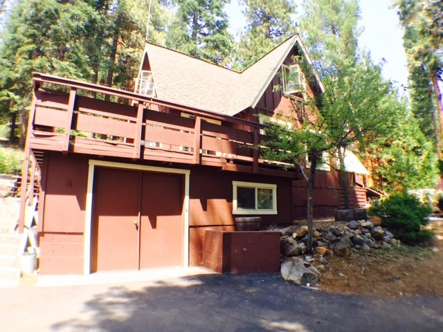 Casa Unifamiliar por un Venta en 651 Mountain Circle Tahoe Vista, California 96148 Estados Unidos