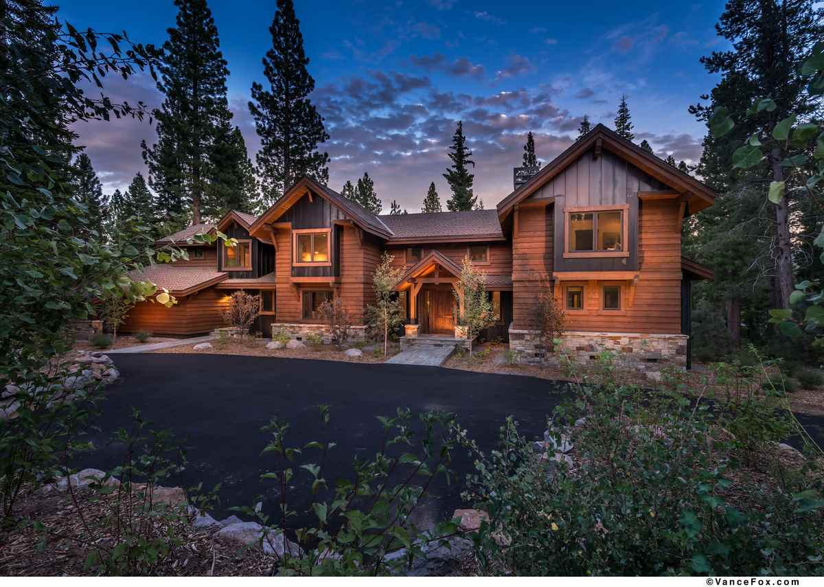 Single Family Home for Active at 8208 Valhalla Drive Truckee, California 96161 United States