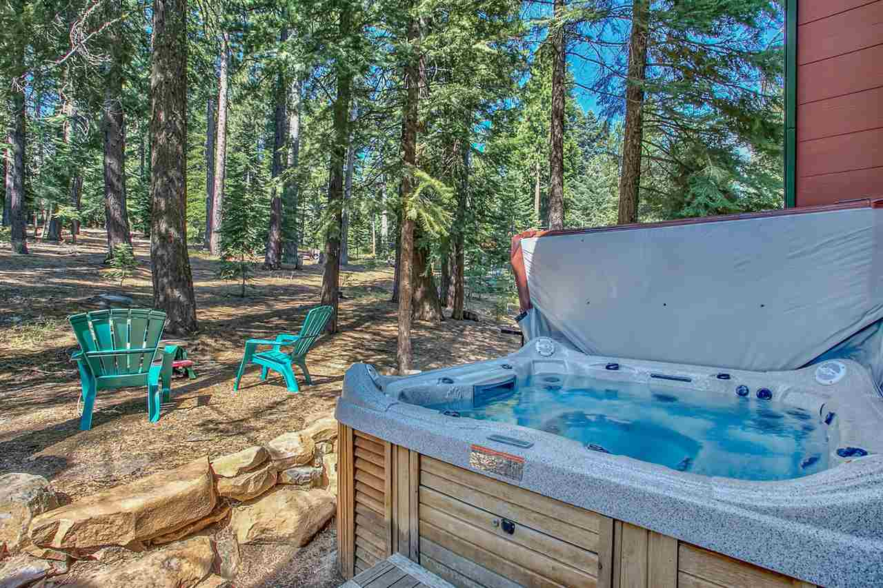 Additional photo for property listing at 14249 Glacier View Road 14249 Glacier View Road Truckee, California 96161 United States