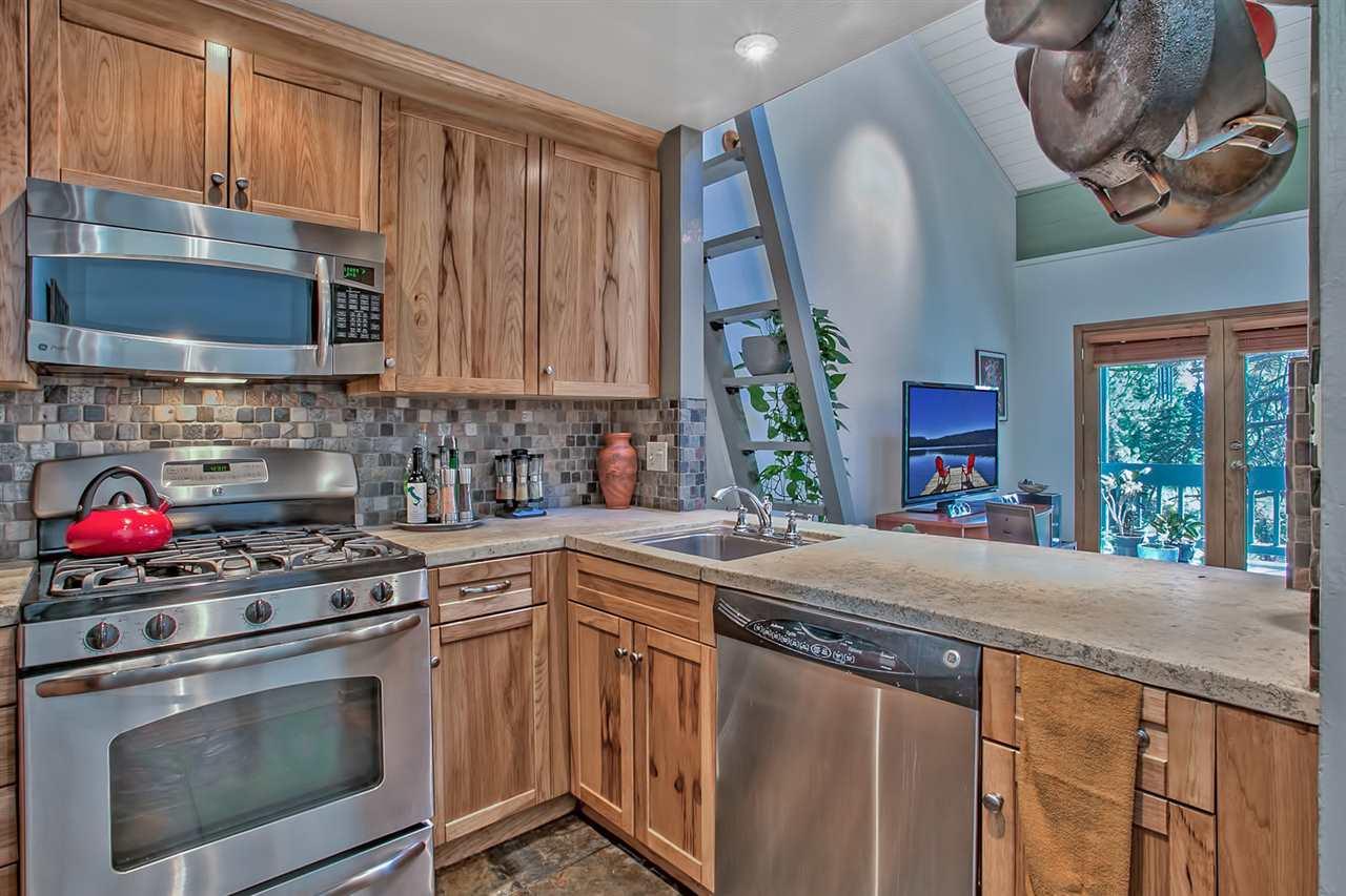Additional photo for property listing at 3200 North Lake Boulevard 3200 North Lake Boulevard 塔霍湖城, 加利福尼亚州 96145 美国