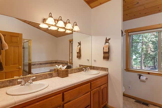 Additional photo for property listing at 14065 Hansel Avenue  Truckee, California 96161 United States