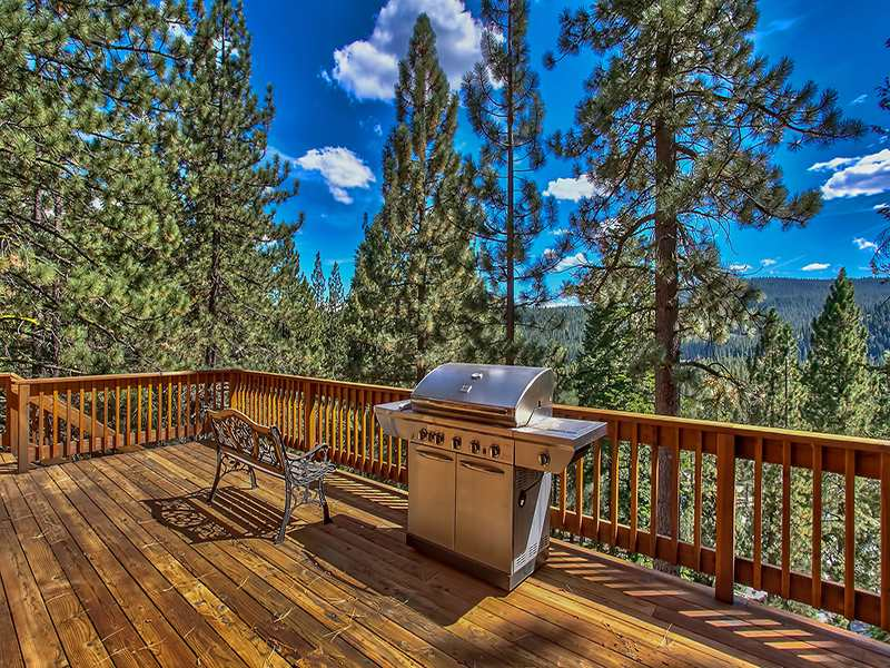 Additional photo for property listing at 12571 Sierra Drive 12571 Sierra Drive Truckee, California 96161 Estados Unidos