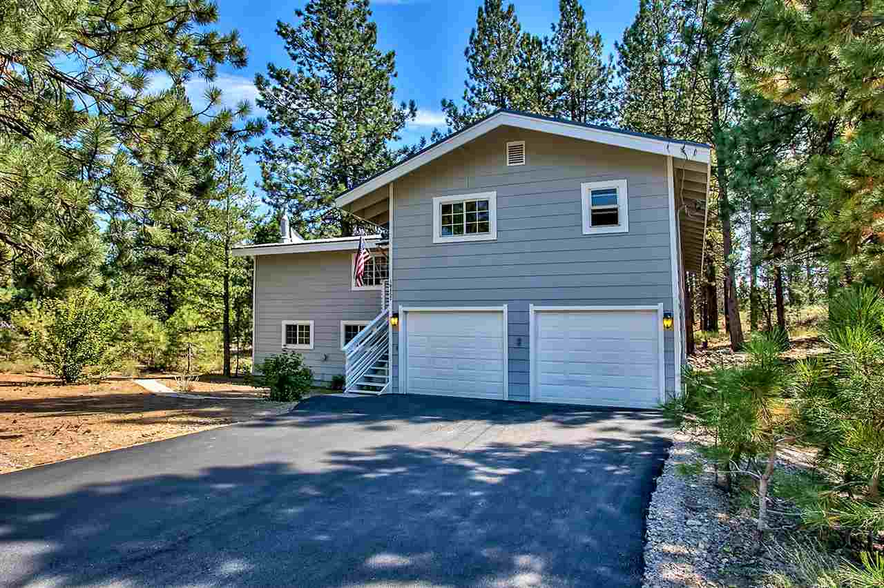 Single Family Home for Active at 10457 Reynold Way 10457 Reynold Way Truckee, California 96161 United States