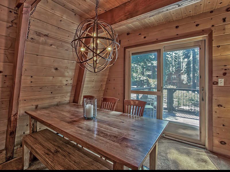 Additional photo for property listing at 14556 Hansel Avenue  Truckee, California 96161 United States