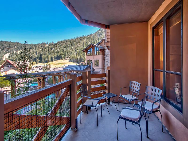 Additional photo for property listing at 1750 Village East Road  Olympic Valley, California 96146 Estados Unidos