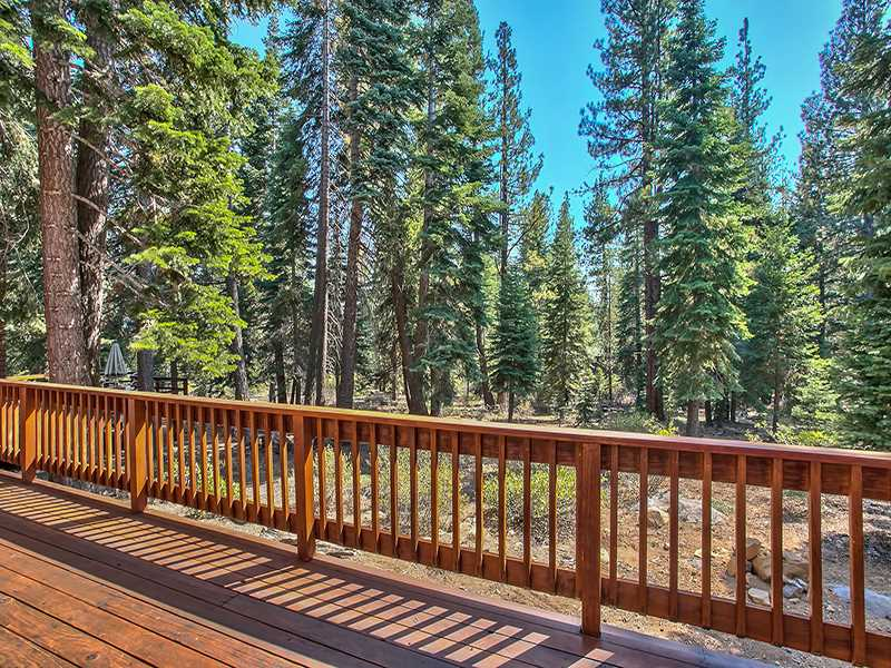 Additional photo for property listing at 13021 Davos Drive  Truckee, California 96161 Estados Unidos