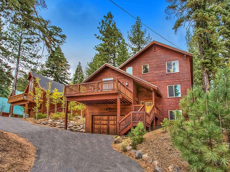独户住宅 为 销售 在 11900 Saint Bernard Drive 11900 Saint Bernard Drive 特拉基, 加利福尼亚州 96161 美国