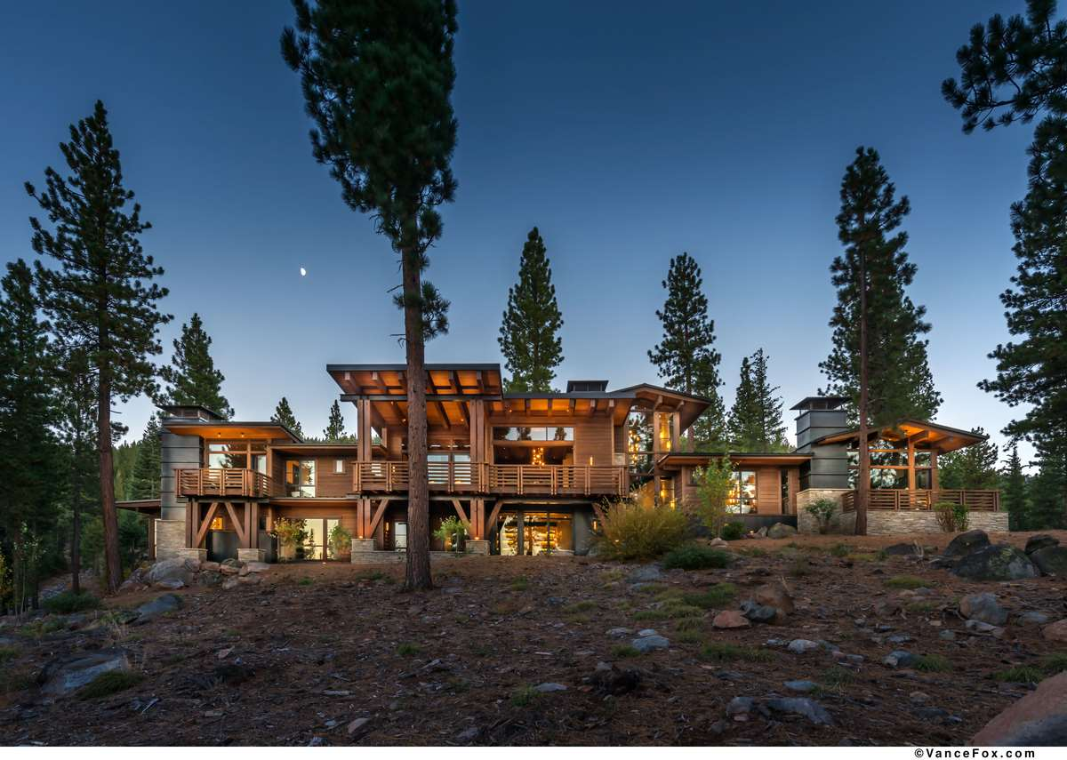 Single Family Home for Active at 9500 Dunsmuir Way Truckee, California 96161 United States