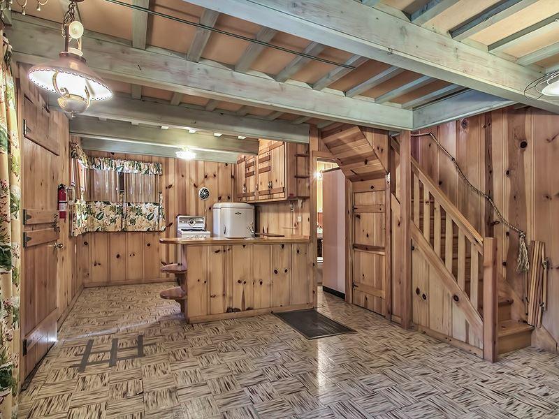 Additional photo for property listing at 550 Tamarack Lane  Tahoe City, California 96145 United States