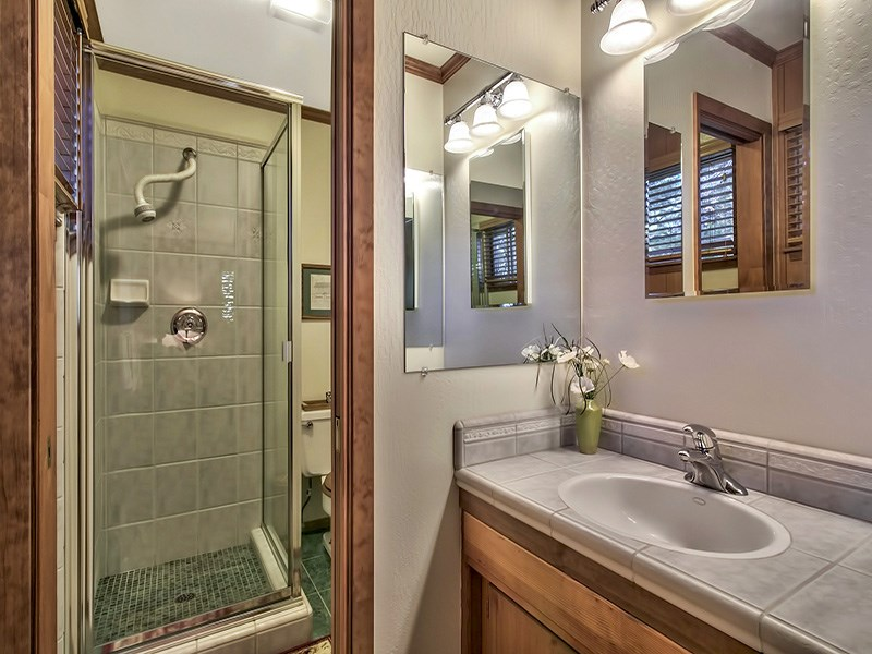 Additional photo for property listing at 6230 Flicker Avenue 6230 Flicker Avenue Homewood, California 96141 United States