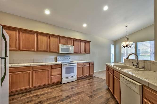 Additional photo for property listing at 38 Oak Court  布赖尔斯登, 加利福尼亚州 96103 美国