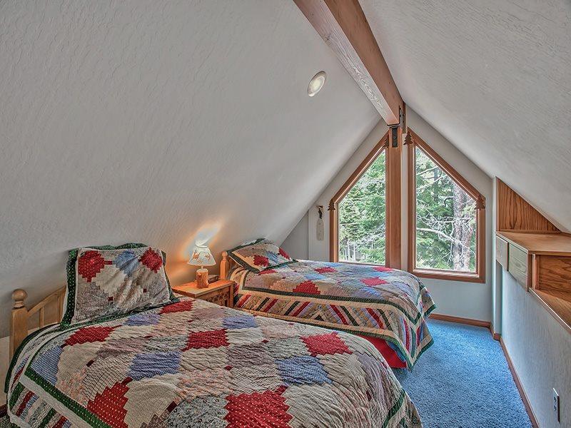 Additional photo for property listing at 13787 Swiss Lane 13787 Swiss Lane Truckee, California 96161 Estados Unidos