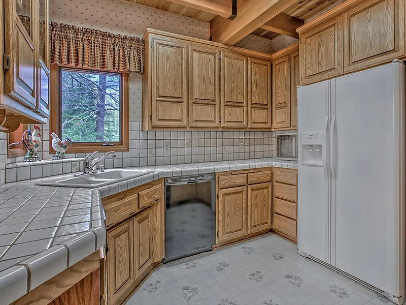 Additional photo for property listing at 13787 Swiss Lane  Truckee, California 96161 Estados Unidos