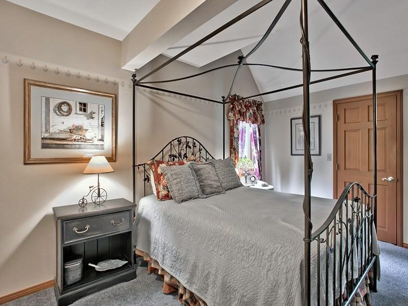 Additional photo for property listing at 13787 Swiss Lane 13787 Swiss Lane 特拉基, 加利福尼亚州 96161 美国
