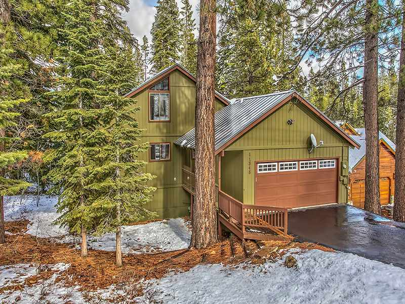 Single Family Home for Active at 11848 Snowpeak Way 11848 Snowpeak Way Truckee, California 96161 United States