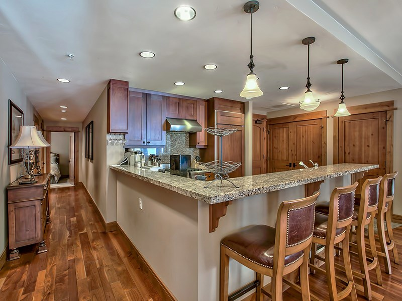 Additional photo for property listing at 8001 Northstar Drive 8001 Northstar Drive Truckee, California 96161 United States