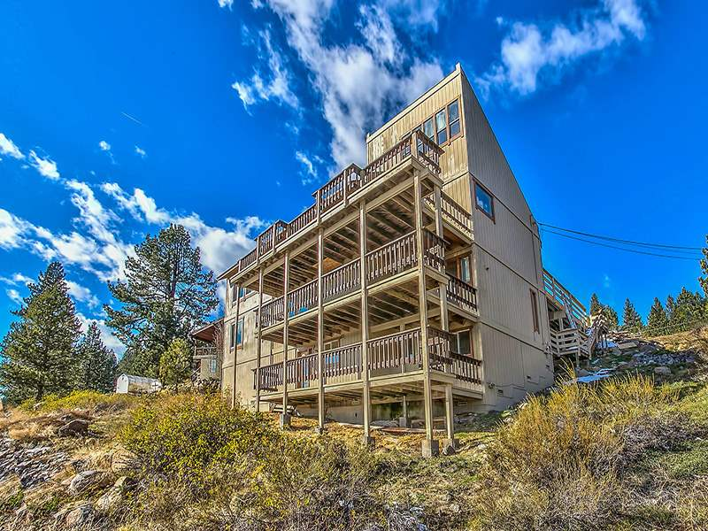Casa Unifamiliar por un Venta en 11619 Kayhoe Court 11619 Kayhoe Court Truckee, California 96161 Estados Unidos