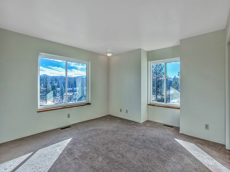 Additional photo for property listing at 11619 Kayhoe Court 11619 Kayhoe Court Truckee, California 96161 Estados Unidos