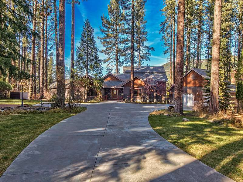 Casa Unifamiliar por un Venta en 17 Cedar Lane Lake Almanor, California Estados Unidos